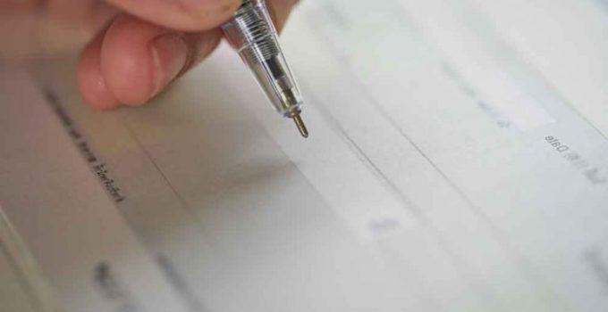 como-escribir-cheque-768x512